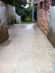 High pressure cleaning of a drive way- after